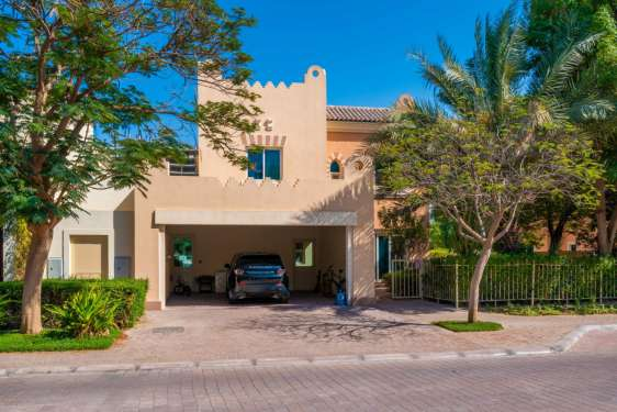 5 Bedroom Villa in Estella, Victory Heights, 1