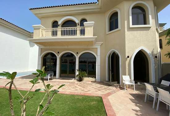 Stunning 5 Bed Frond Villa (Atrium Entry) for Sale on Palm Jumeirah