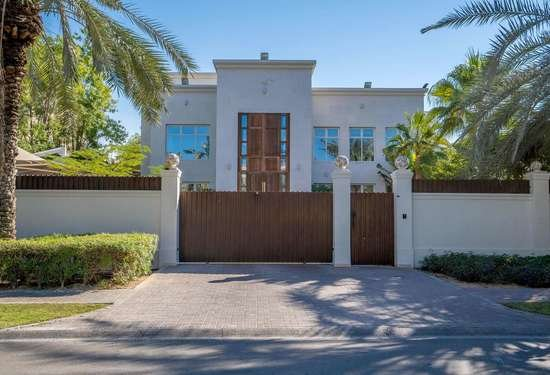 5 Bedroom Villa in Sector R, Emirates Hills, Dubai