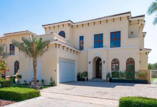 6 Bedroom Villa in Orange Lake, Jumeirah Golf Estates, 1