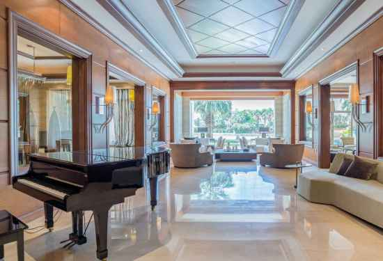 6 Bedroom Villa in Sector W, Emirates Hills, Dubai