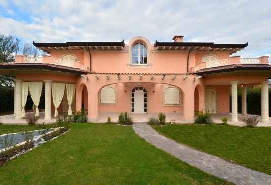 6 Bedroom Villa in Villa Botticelli, Lucca, 4