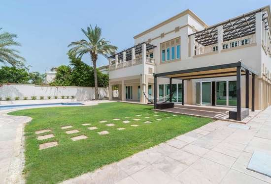 7 Bedroom Villa in Sector R, Emirates Hills, Dubai