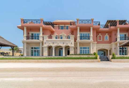 8 Bedroom Villa in Signature Villas, Palm Jumeirah, Dubai