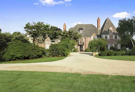9 Bedroom Villa in 412 First Neck Lane, Hamptons, 16