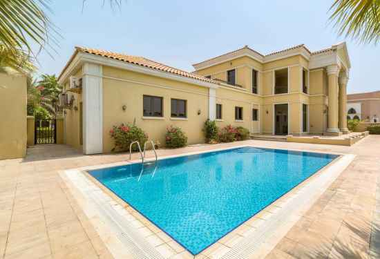5 Bedroom Villa in Signature Villas, Palm Jumeirah, Dubai