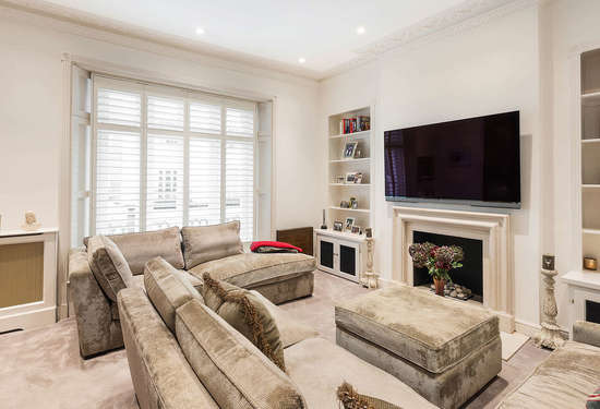 2 Bedroom Villa in Lower Belgrave Street, London, 6