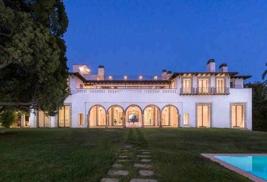 9 Bedroom Villa in 133 S Mapleton Dr, Los Angeles, California, 16