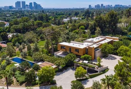 6 Bedroom Villa in 911 N Foothill Rd, Beverly Hills, California, 16